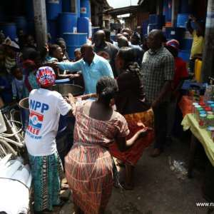 """Akufo-Addo promises """"1-District-1-Factory"""" policy"""