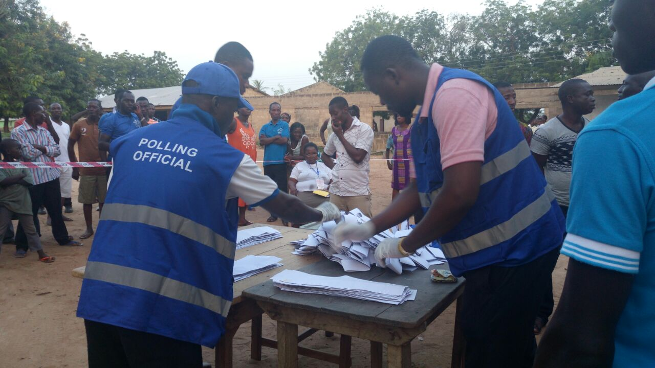 Election 2016: Voting ends, counting begins